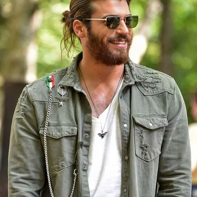 Can Yaman el actor de moda