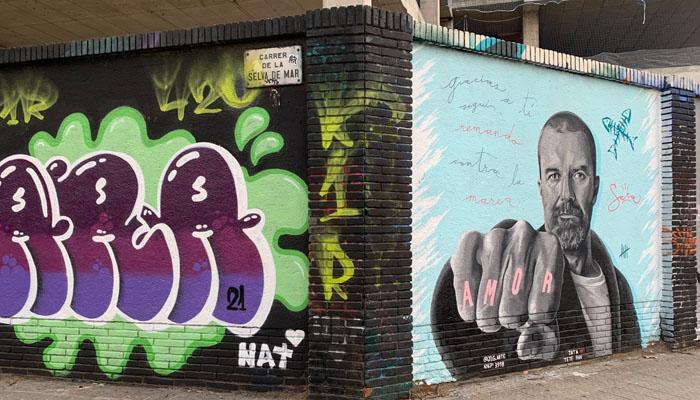 Un grafitti en Barcelona en homenaje a Pau Donés